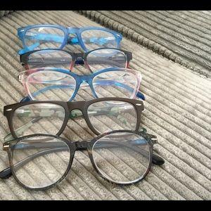 Accessories - 5 Pair Reading Glasses 2.00